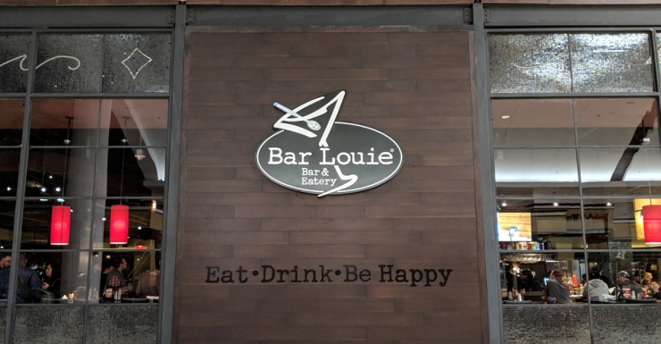 New Restaurant Bar Louie Opens In Garden State Plaza Dedicated